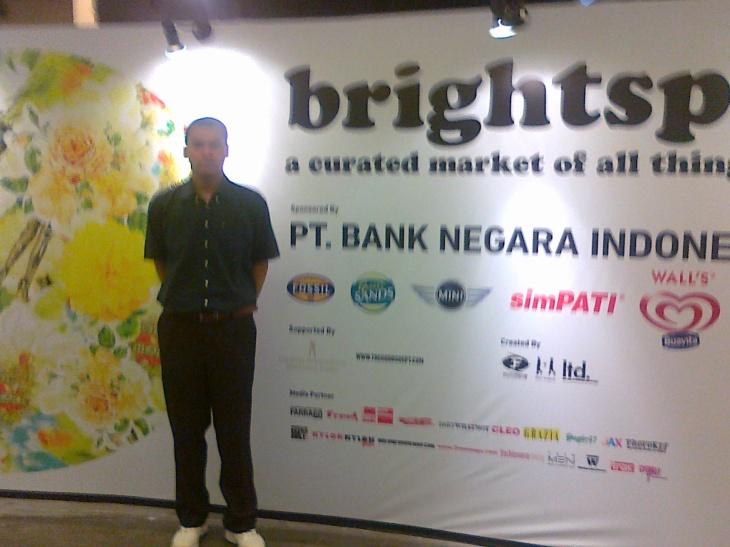 Poster di depan Brightspot